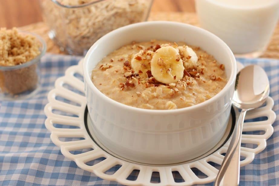 ovsene-vlocky-s-proteinom-bananom-orechmi