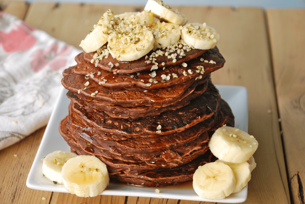 vegan-chocolate-protein-pancakes